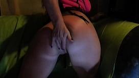 moglie troia gioca in cam e si masturba