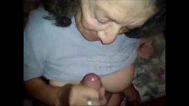Abuela muy caliente...