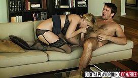 Horny blonde milf (Julia Ann) gets pounded by (Manuel Ferrara) - Digital Playground