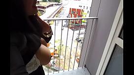 Exhibe sur mon balcon...