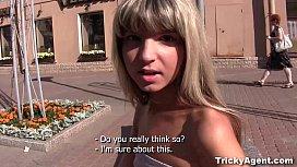 Tricky Agent - Fake blond...