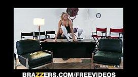 Flexible blond dancer Mia...
