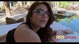 Latina Booty Isabella De...
