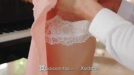 PASSION-HD Kristen Scott...