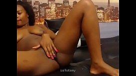 Gorgeous black latina fingering...