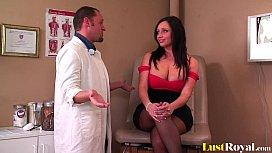 Gynecologist pleasures a lovely...