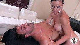 El masaje de Carla...