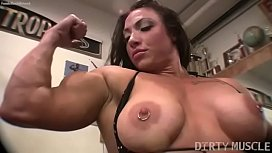 Female bodybuilder BrandiMae works...