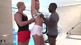 Nikki Dream enjoys interracial...