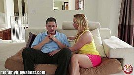 Hot mommy Katia Kassin...