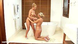 Bathtub Blondes sensual lesbian...