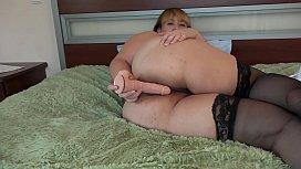 A fat girl masturbates...