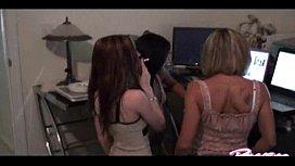Raven Riley threesome with Liz Vicio ...