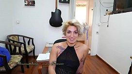 Alinamodelista sexy blonde dance...