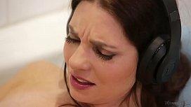 I Caught Mom Touching Herself - Carmen Caliente, Mindi Mink