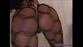 Real Juicy Twerking Booty...
