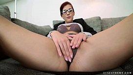 Glassed babe takes big...