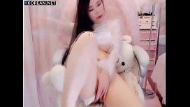 Beautiful chinese girl masturbate...