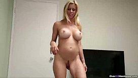 Ov40-Sexy mature babe...
