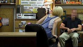 Blonde babe sells subwoofer...