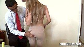 Amateur Latina office Girl...