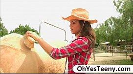 Teen cowgirl Gabriella Ford rides a  ...