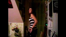 Novinha magrinha fazendo striptease - Veja mais aqui caiunanet18.com/ver/pelada
