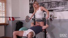 Fitness slut Nikky Dream...