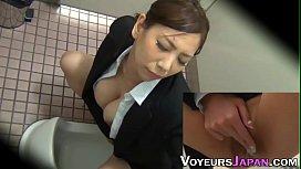 Japanese babe masturbates...
