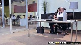 Brazzers - Brazzers Exxtra - Aidra...