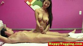 Real asian masseuse toying dick damplip