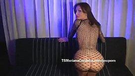 Mariana Cordoba mostrando su...