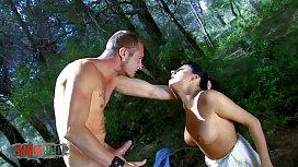 Spanish pornstar Damaris outdoor...