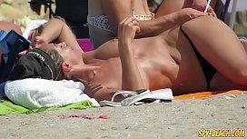 Amateur Topless Beach Voyeur...