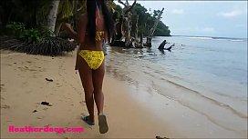 HD Thai teen Beach day outdoor giving deep throat throatpie