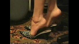 Arab woman shoe play x viedos.com