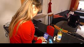 HAUSFRAU FICKEN - Amateur German...