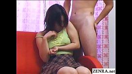 คลิปxxx สอนวิธีเล้าโลมให้เสียวกระสันก่อนเย็ดกันสาวหีเนียนรูฟิตหีอวบอูมโดนเลียแบบเสียวๆจนตูดลอย