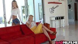 Horny teen Katy Jayne licks stepmoms ...