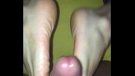 Sexy Feet cumshot...