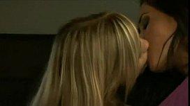 Sexy Lesbian Girls Kissing...