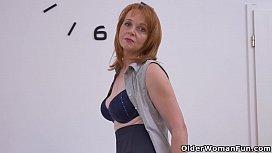 Euro milf Elisabeth strips...