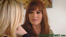 Lesbian stepmom tribbing