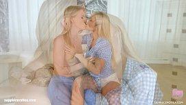 Sensual lesbians Kiara Night...