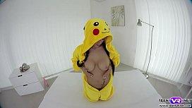 Hot pokemon babe Nicole Love solo VR ...
