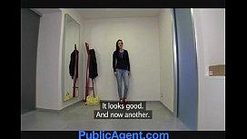 PublicAgent Morgan strips off...
