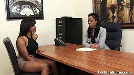 Black Lesbians Jenna and Kira Cum Hard with Sybian! pornhum