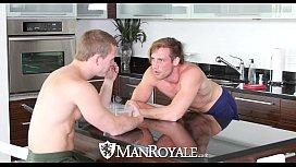 ManRoyale - Hot guys Tommy...