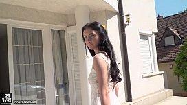 Busty teen Crystal Greenvelle...
