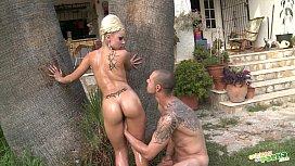 Follando bajo la palmera - Spanish sex - Full scene